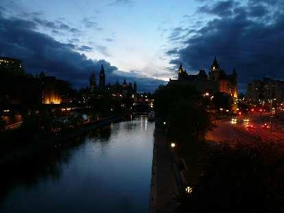 river in Ottawa close to nighttime