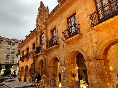 The outside of Eurostars Hotel de la Reconquista.