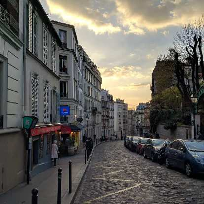 Sunset as seen from a residential street in Montmartre.