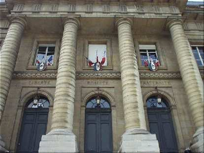 "On the Palais de Justice are the inspiring words ""Liberte, Egalite, Paternite"" (freedom, equality, and brotherhood) which are found in other places in Paris."