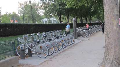 So many Velib city bikes.