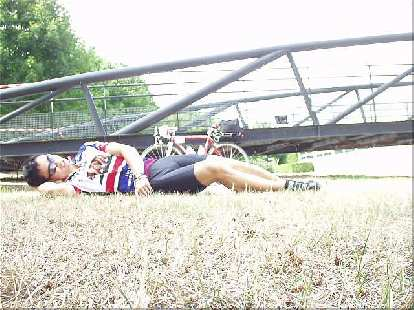 [Afternoon before the race] In the afternoon I attempted to sleep on the grass in front of the gym with no success.