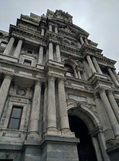 Philadelphia's City Hall is the tallest municipal building in the United States.