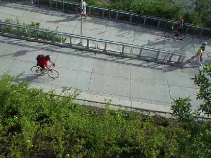 Here's Mike heading back over the bike bridge back to downtown Portland after the STP Bicycle Classic.