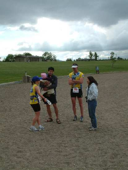 Sharon, Samantha, Everitt, Gary, and Janette after the race.  Looked like they had a good time in Fremont's only tri.