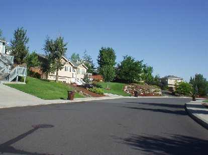 There are beginning to be some nice neighborhoods in Redmond, however (this is also in the Cascade View Estates area.)