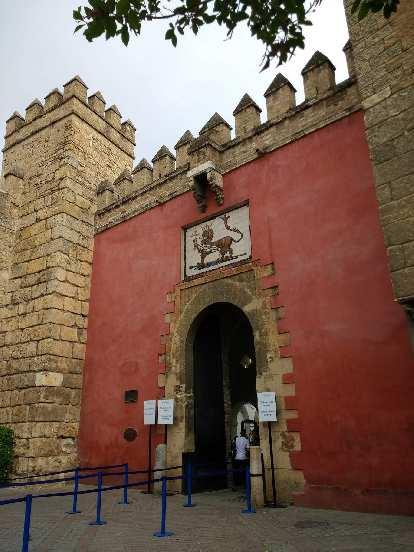 Visitor's entrace at the Alcázar de Sevilla.