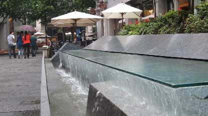 Another fountain in the Xintiandi district of Shanghai.
