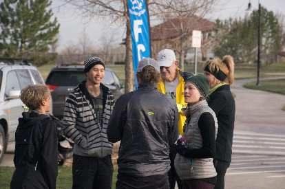 Alistair, Felix, Nick, Tom, Jessica, and Tammi congregating before the start of the Spring Canyon Park 5k.