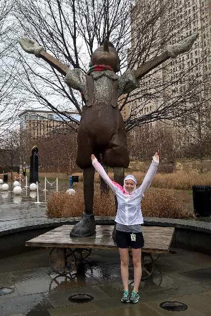 Maureen, arms raised, statue, Citygarden