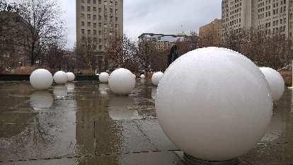 white balls, Citygarden
