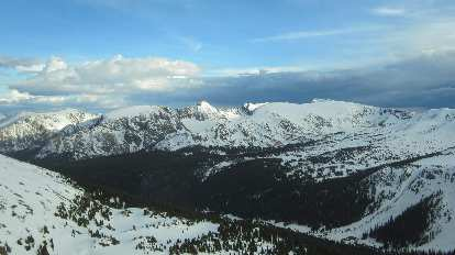 Snowy mountains in Rocky Mountain Park.