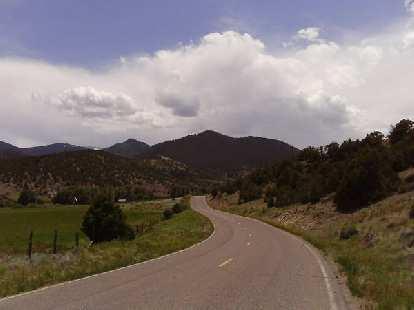 [Day 18, Mile ~1875] Going by the Rio Grande National Forest in southern Colorado, towards Carnero Pass.