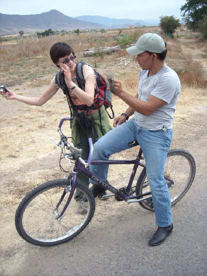 A local named Yoaquin who had moved from Cuba two weeks ago rolled up on a Cannondale M300. Here's Sarah talking with him.