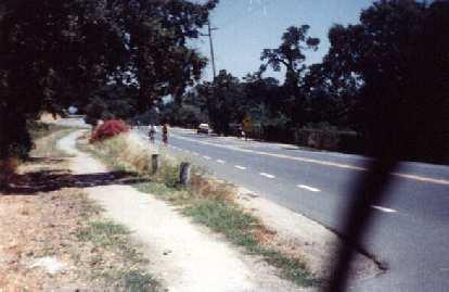 cyclists on Ca̱ada Rd., 1998 Tour du Jour