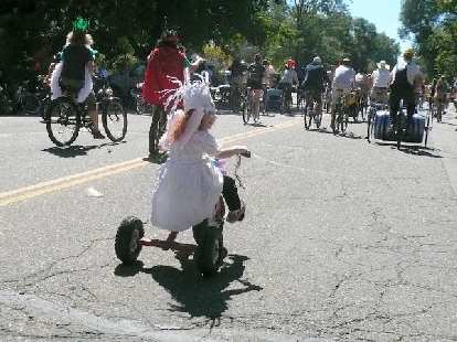 This girl on her tricycle was easily keeping up with everyone.