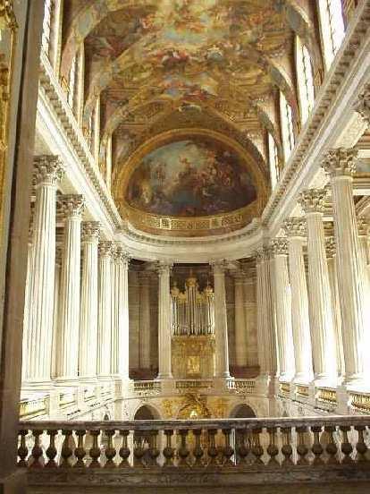 L'Chateau was tres opulent!