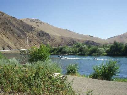 """I drove down State Highway 821 running by the Yakima River, which was designated a """"state scenic route"""".  It was only scenic if you like dead, barren, rocky terrain and disappointed, I turned around in the midst of it."""