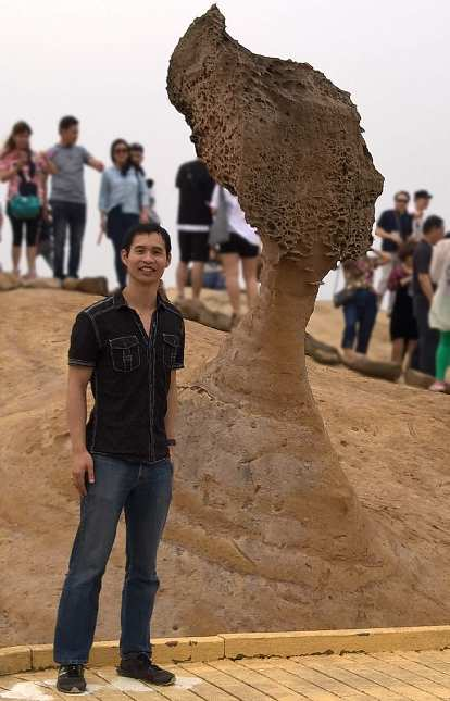 Felix Wong by the Queen's Head in Yehliu Geopark.