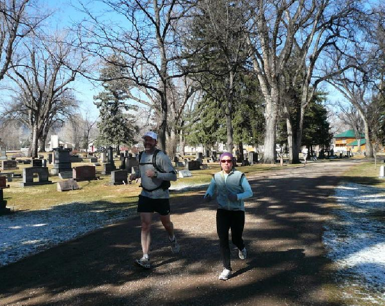 When I met up with Jeff and Alene at the Grand View Cemetery, they had already run 14.5 miles!
