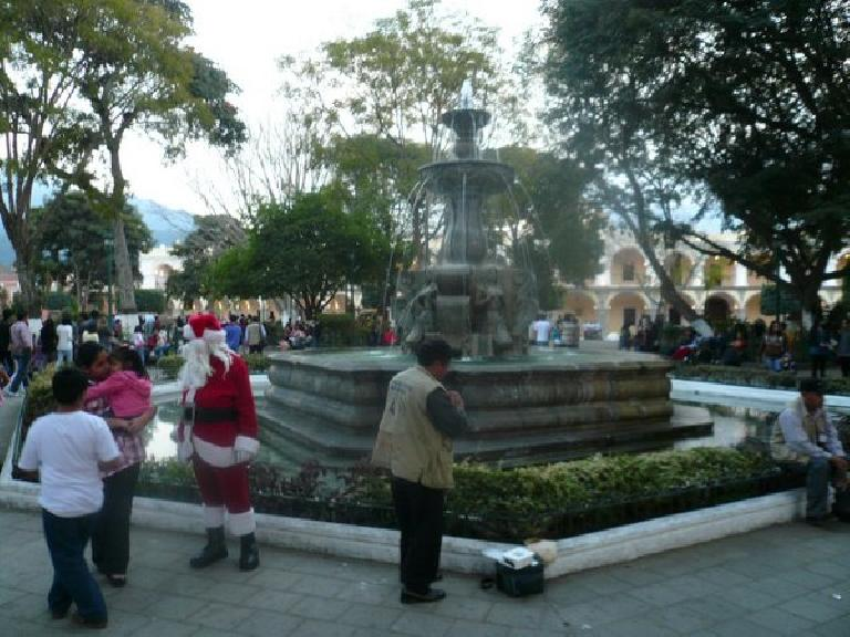 Santa Claus was at Parque Central.