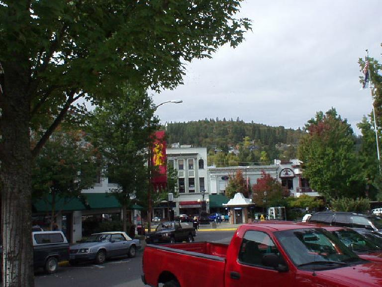 In contrast, the foothills to the west are very green and verdant.  These are the hills Ashland is mostly located in