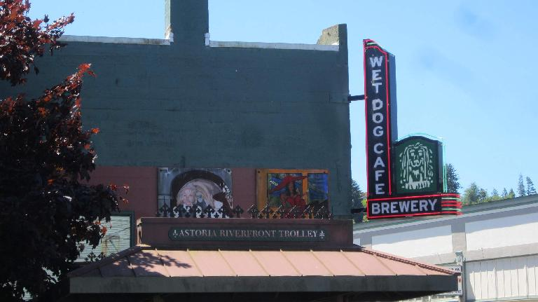 Wet Dog Cafe, Astoria, Oregon
