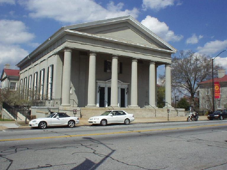 There are many stately buildings in downtown Athens, Georgia.  There were also several convertibles on the roads when I was there because the weather was so nice!