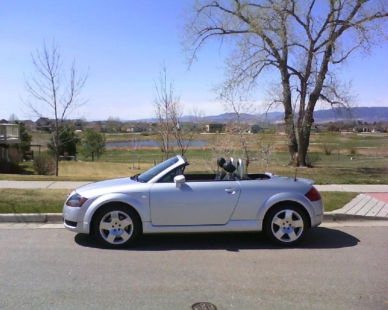 Teeter, my Audi TT Roadster, after a good washing.