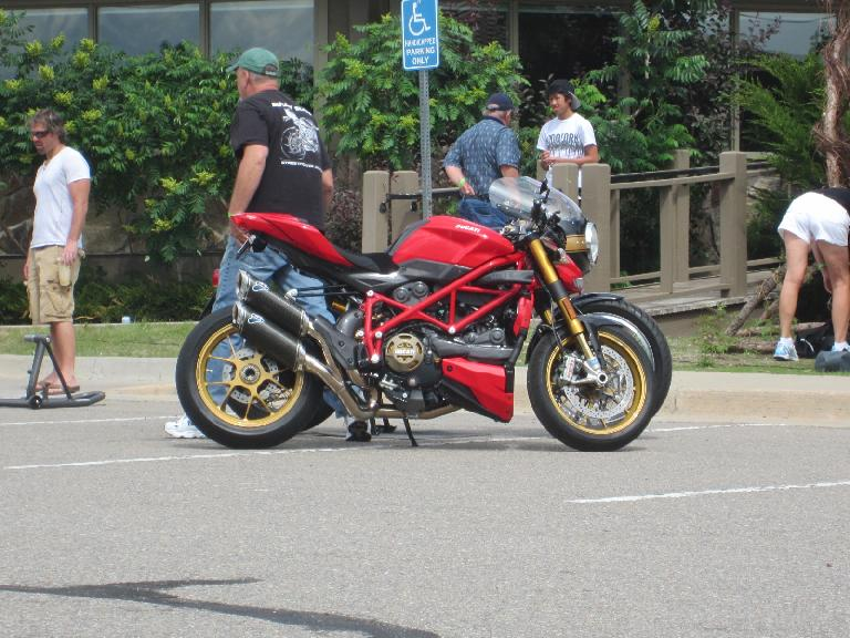 Side view of the Ducati Streetfighter.