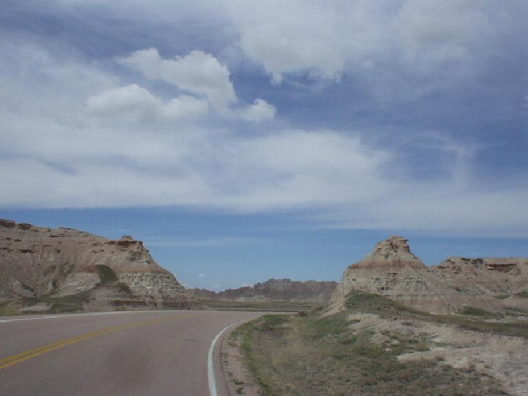 [Mile 73, 11:57am] Now back on course and going through the rock/dirt formations of the Badlands.