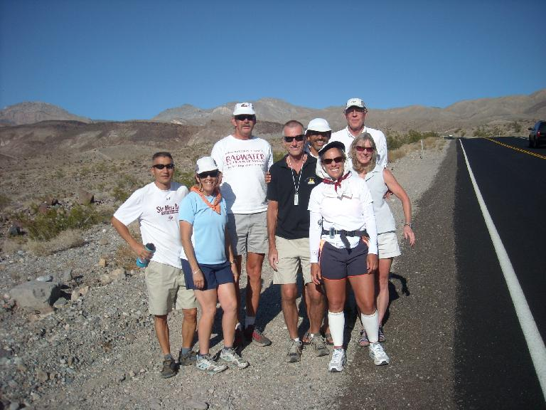The crew of Dale Perry (who was going to commence a solo [non-race] crossing of Death Valley) stopped to say hello while Alene was going up Townes Pass. (July 15, 2011)