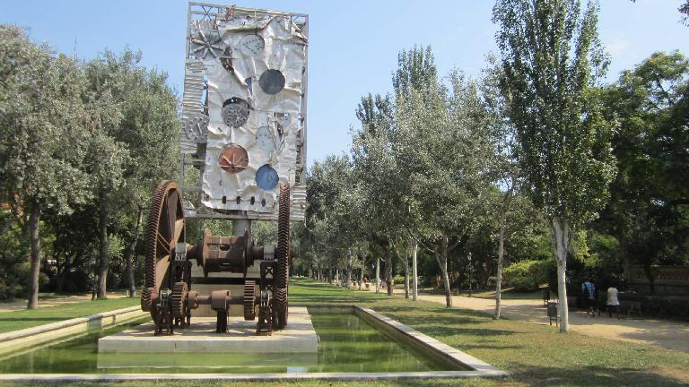 Art in La Ciutadella park.