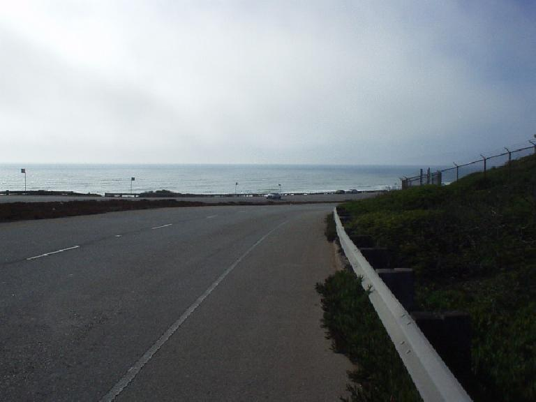 [Mile 152, 5:39 p.m.] But finally, one got a reprieve from the heat through Pacifica and onto the Great Highway, shown here.