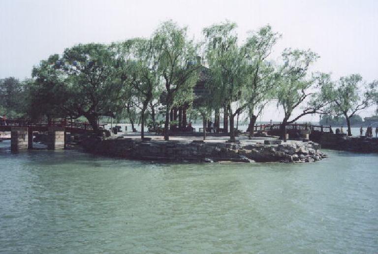 Now at the water at the Summer Palace. (May 28, 2002)
