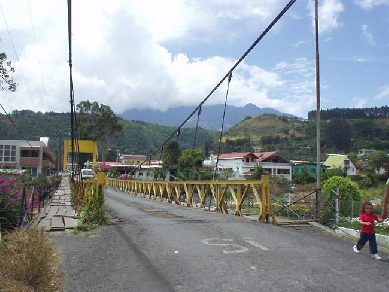 The yellow bridge we walked on everyday near the B&B had great views of the surrounding mountains and Volc (March 8, 2007)