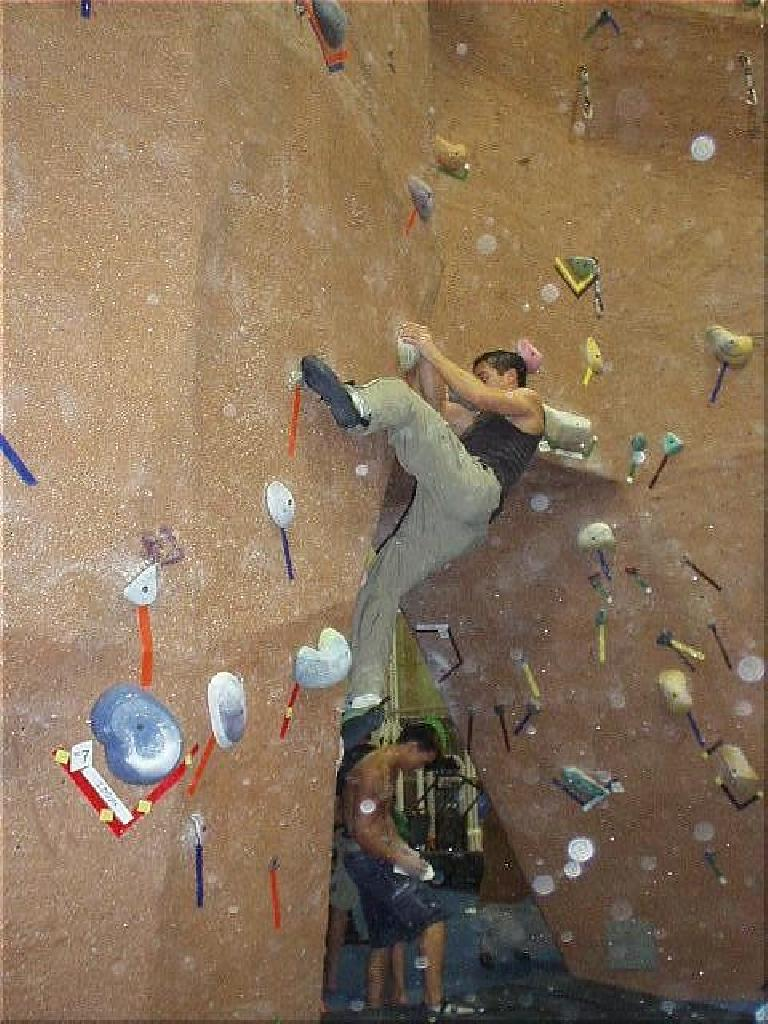 Felix Wong attempting Problem #31, a 720-pt problem.  I could get to the 2nd-to-the-last hold, but despite about 10 attempts and getting some skin torn off of my right arm... no success.  A good one to work on in the upcoming weeks...