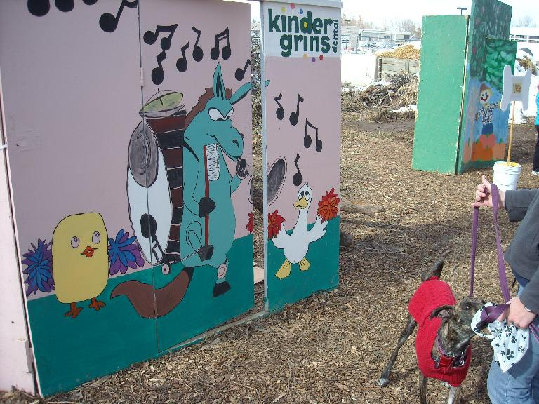 Kindergrins booth.