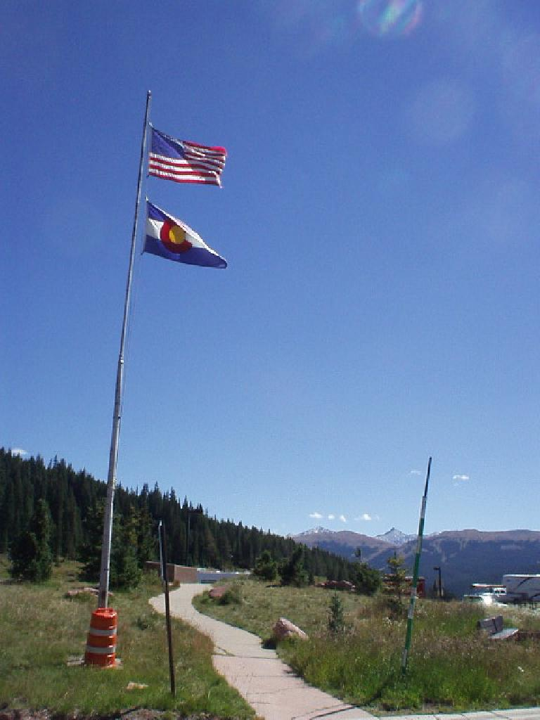 Flags flying high above Vail Pass, where Mike and I commenced a predominantly downhill 18-mile bike ride back to Breck.