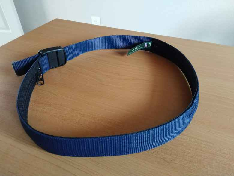 This blue, US-made Thomas Gates belt is my all-time favorite belt with no metal parts.