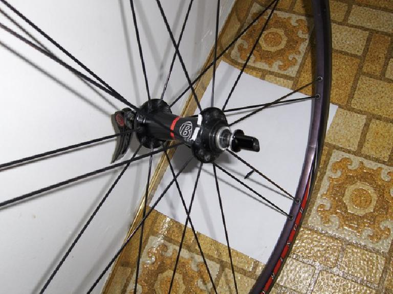 While my friend Joe was near the top of Mt. Diablo on a sub-freezing day, the hub flange of his Bontrager wheel cracked and broke off. (December 14, 2008)