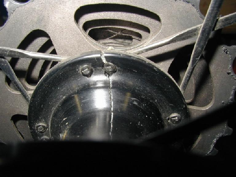 A closer view of the crack in the hub.