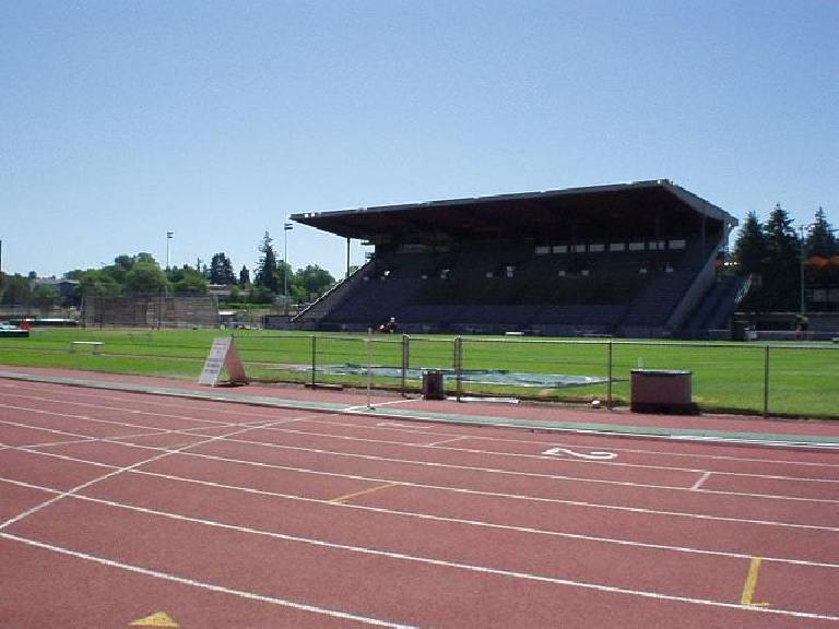 [Eugene, OR] In Eugene, I stopped by the famed Hayward Field, the track where lengendary Steve Prefontaine starred at the University of Oregon. (June 26, 2003)