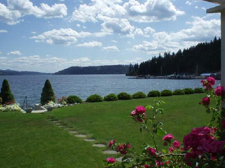 [Coeur d'Alene, Idaho] Beautiful views of the lake from Lakeshore Drive. (June 27, 2003)
