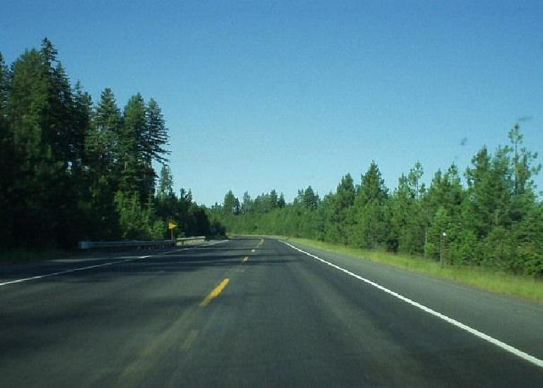 [North of Moscow, Idaho] Highway 95 through Idaho was a great drive... and all of the western part of Idaho seemed lush and green with rolling hills.  Was very impressed by western Idaho! (June 26, 2003)