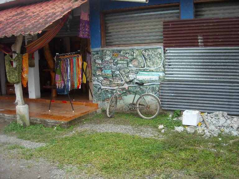 A bicycle in Cahuita.