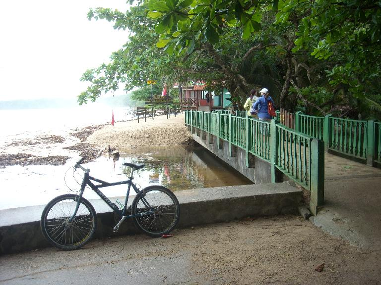 A Cannondale mountain bike at the entrance to Cahuita National Park.