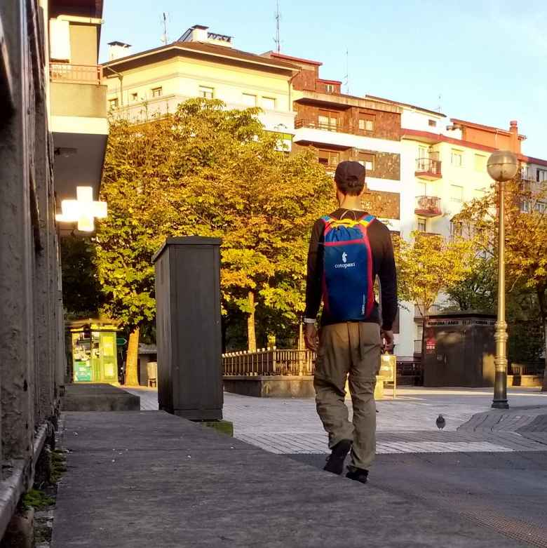 Felix Wong, Cotopaxi Luzon 18L daypack backpack, walking in Irún, Spain