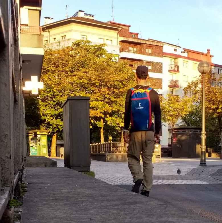 Felix Wong, Cotopaxi Luzon 18L daypack backpack, walking in Irún, Spain