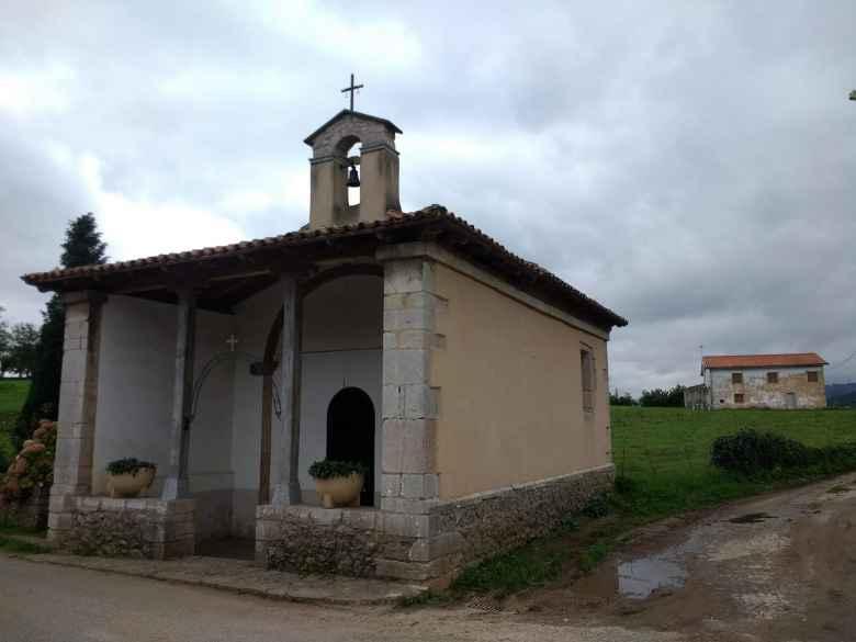 The Capilla de Santa Ana de Premoño (Santa Ana Chapel of Premoño) was built in the 17th century.